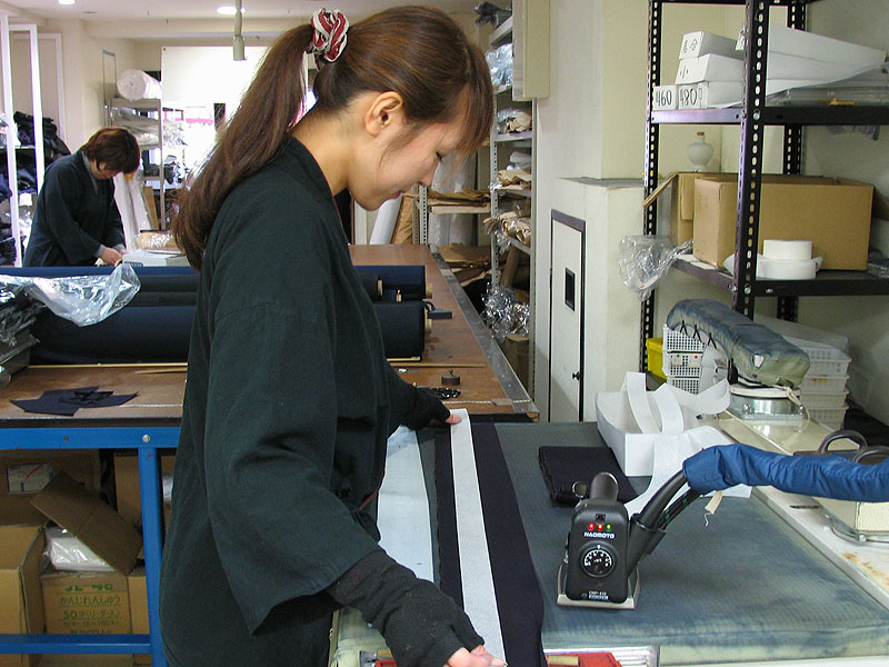 Tozando's Kimono craftsman tailoring Tozando's original Aikido Hakama