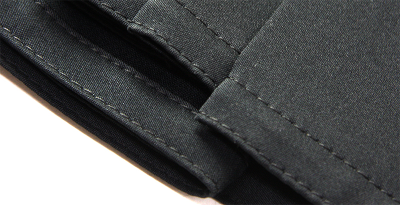 The stitching on the edge of the bottom hem of the Hakama flattens out the hem and makes it more elegant