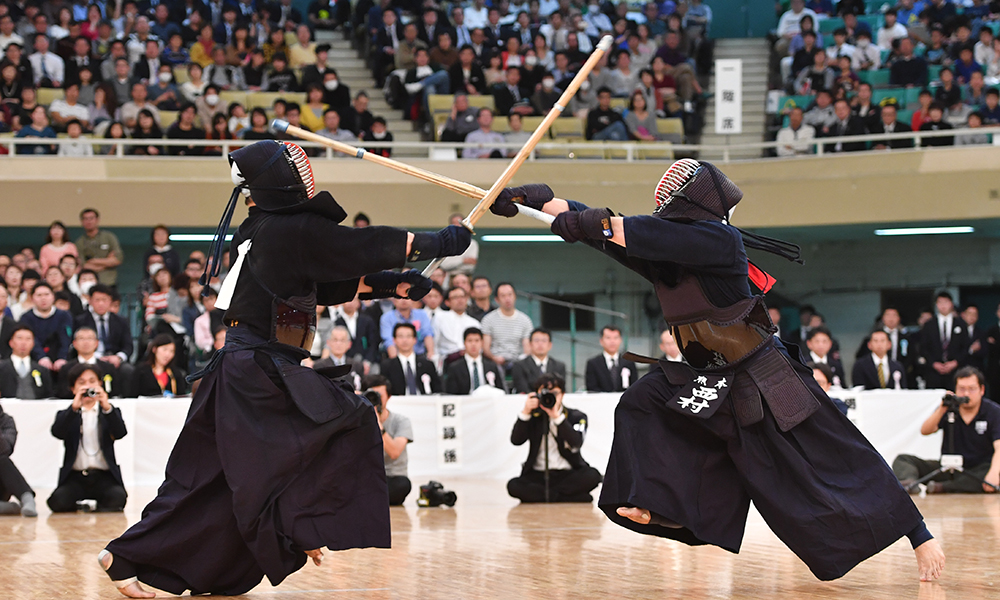 Hidehisa Nishimura in the final of 2017 All Japan Kendo Championship
