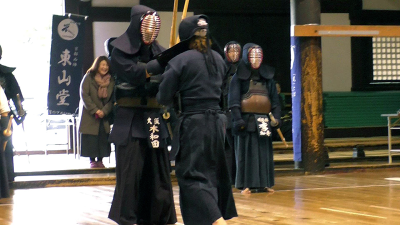 Kendo Champion, Kiwada Daiko doing Kakari Geiko with an international Kendo player