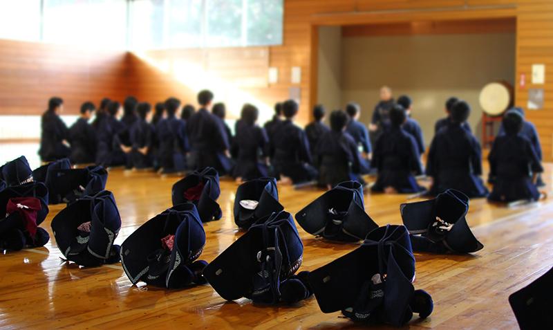 Mokuso meditation in a Kendojo.