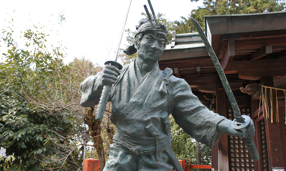 Miyamoto Musashi with two swords