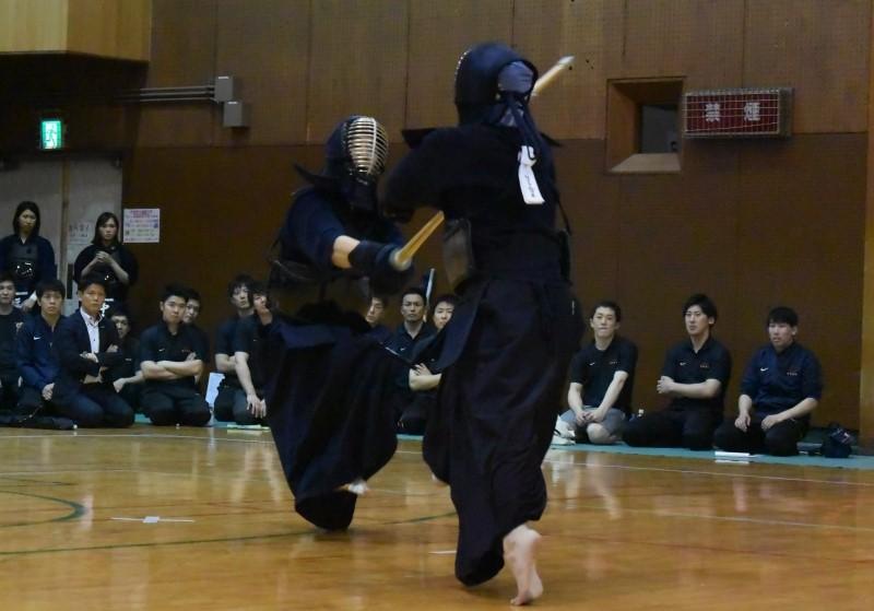 Men's Final Daihyo Match, Panasonic ES's Adachi claims a de-gote