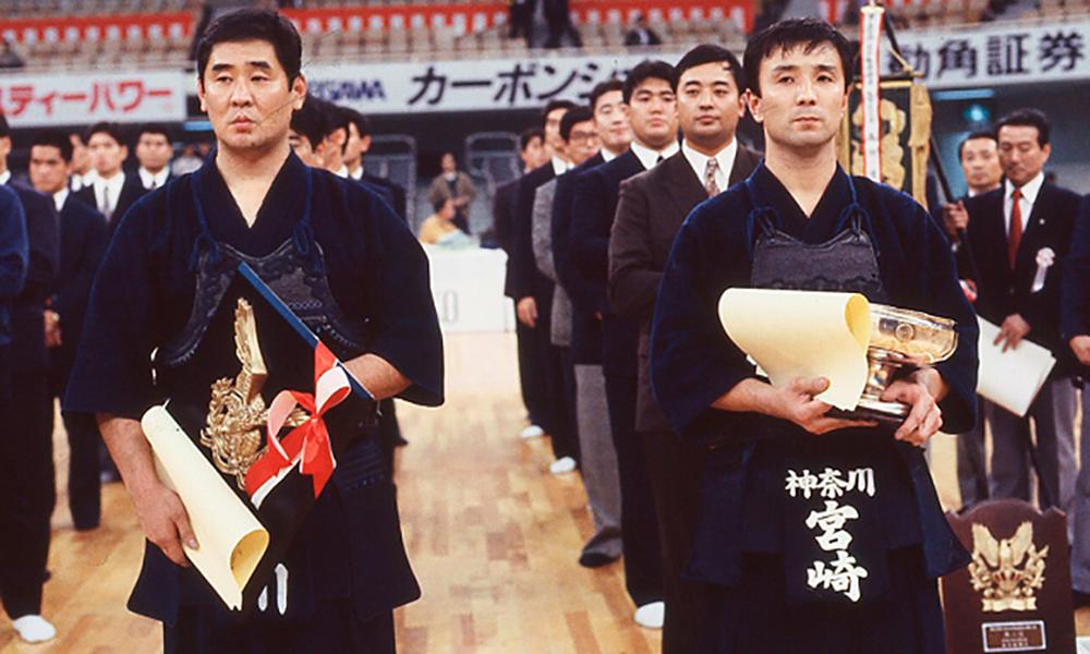 Photo of Miyazaki Masahiro winning All Japan Kendo Championship in 1990