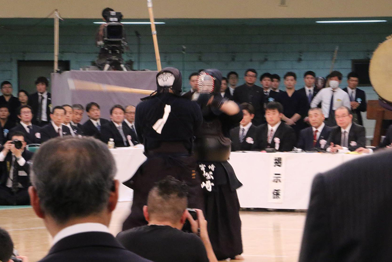 Matsuzaki facing his opponent at the 66th All Japan Kendo Championship Taikai
