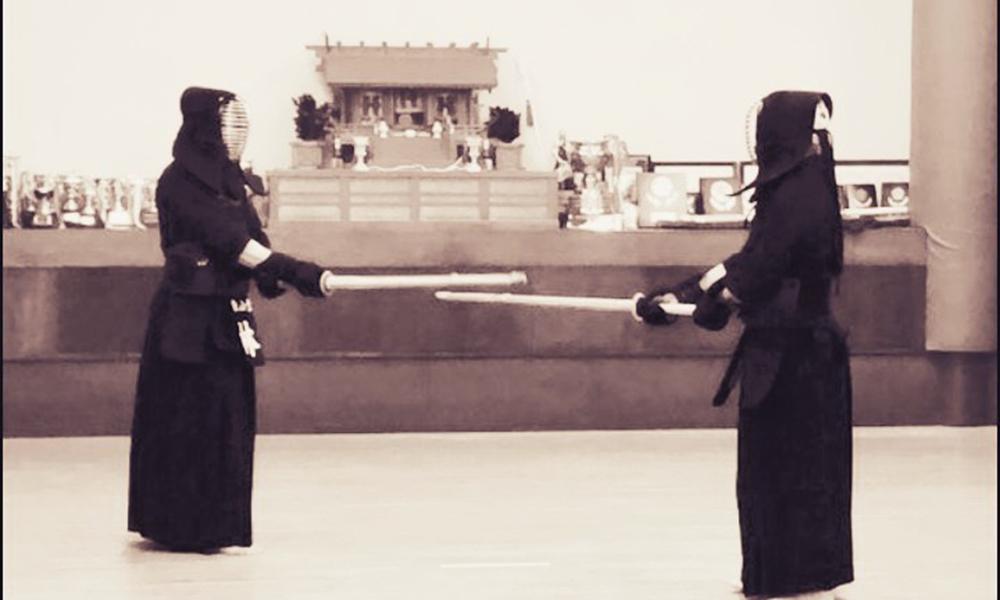 Kendo Kyoshi 7-dan Hayashi demonstrating Kendo