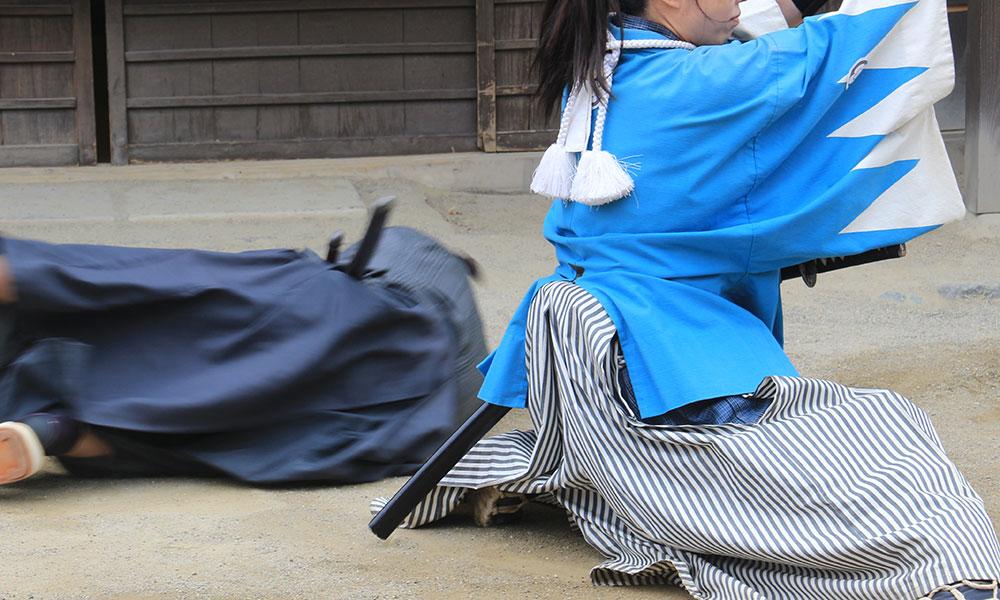 Shinsengumi slaying a radical Samurai